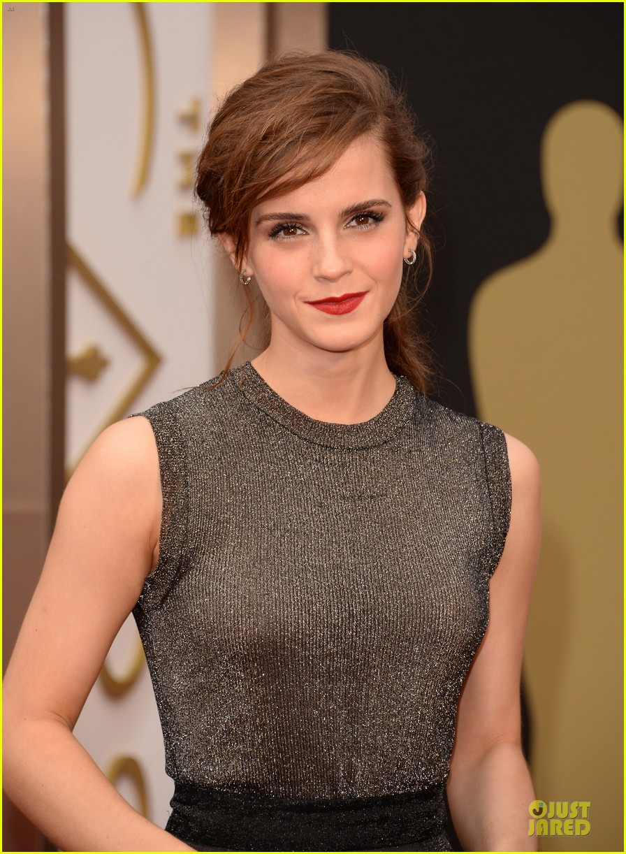 emma watson rocks metallic on oscars 2014 red carpet 043063885