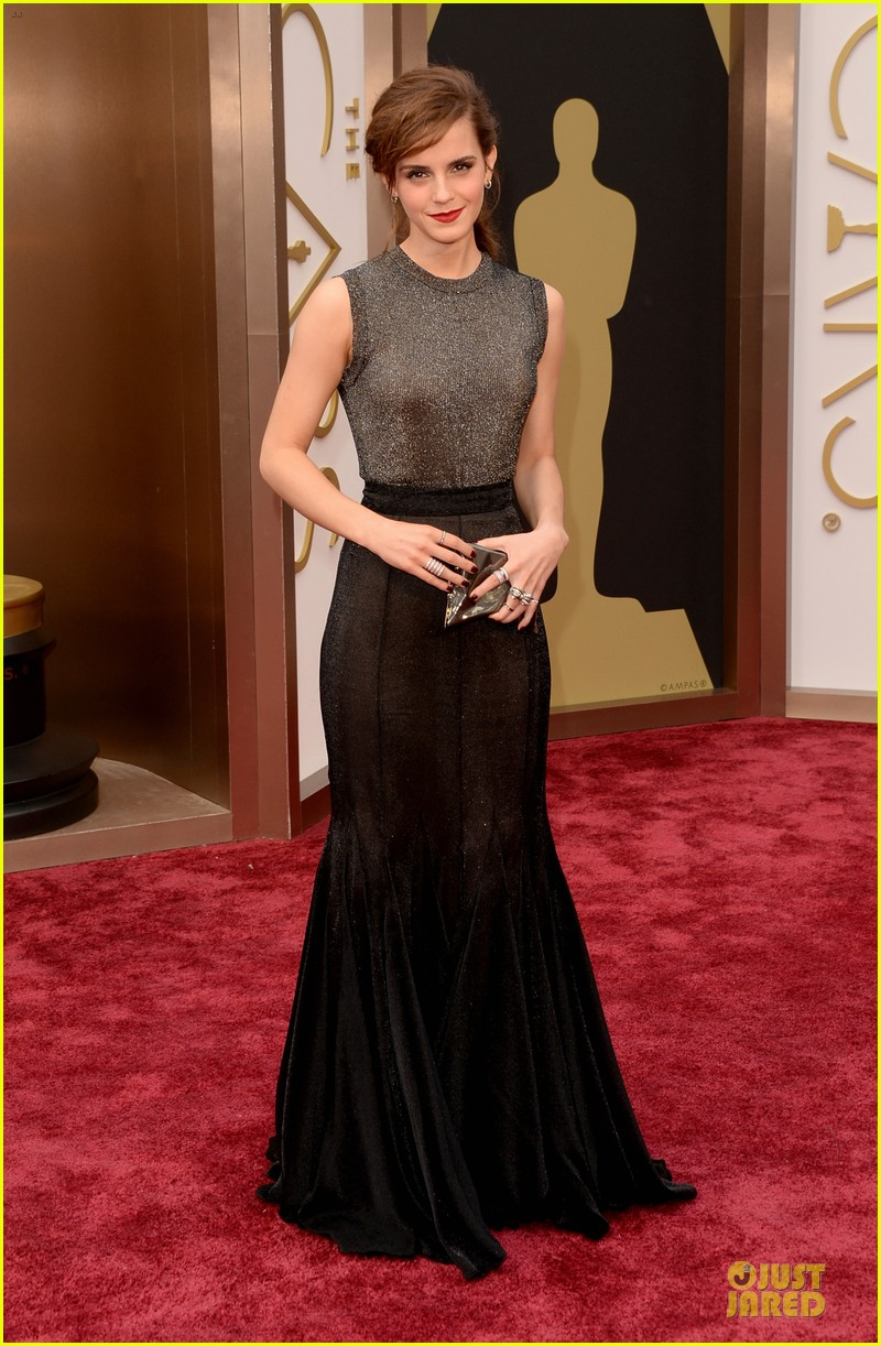 emma watson rocks metallic on oscars 2014 red carpet 05