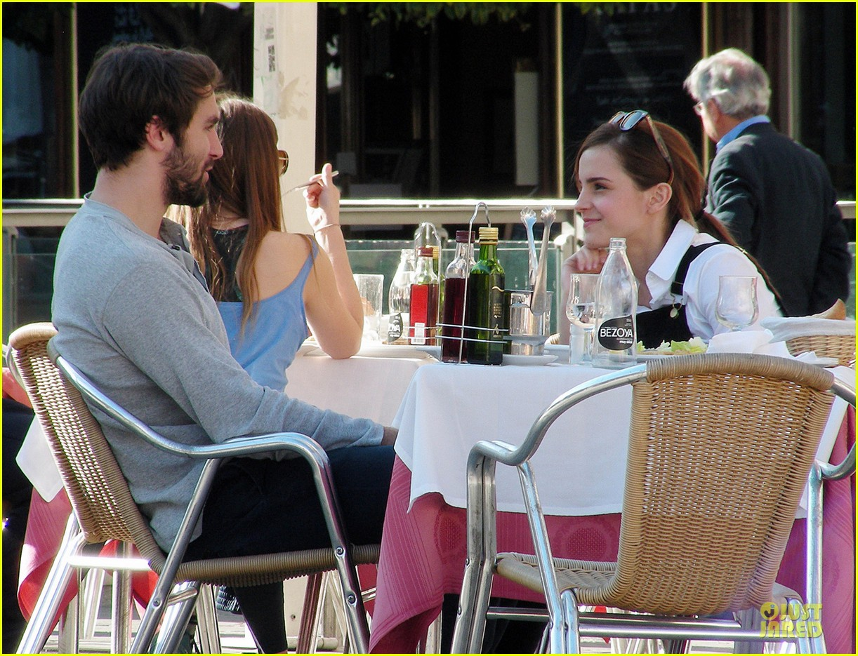 emma watson enjoys lunch with matthew janney 043074182