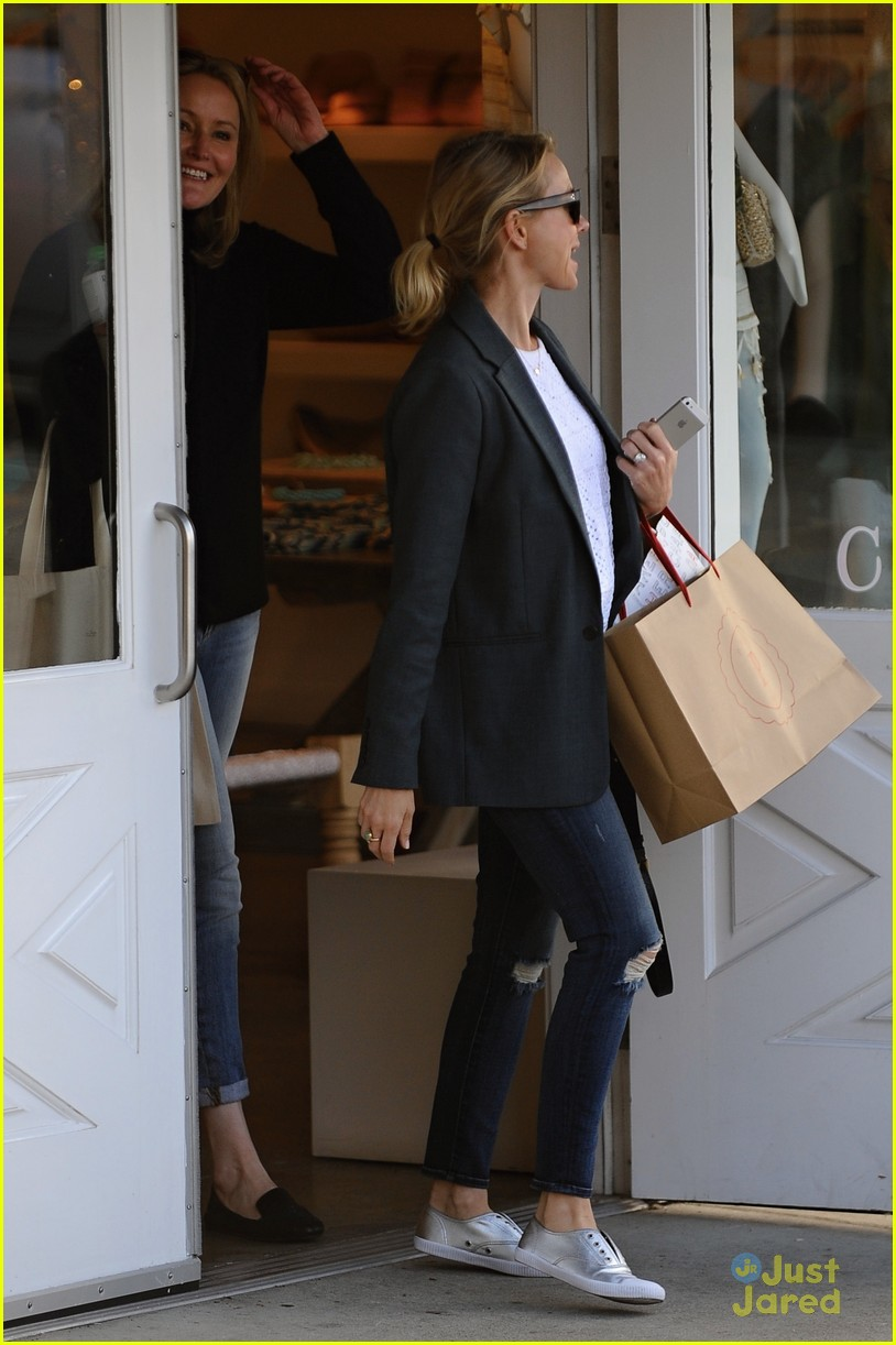 naomi watts trades glam for casual after oscars033068918