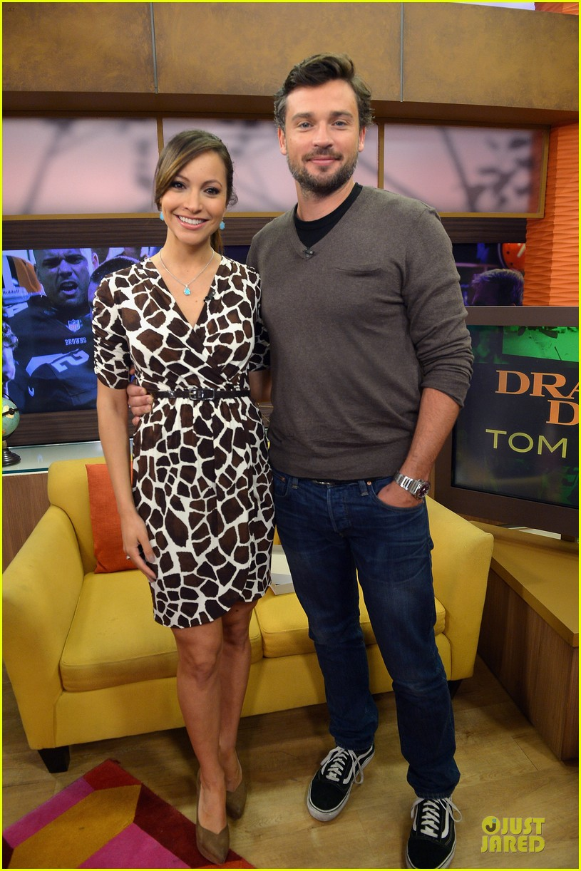 tom welling scruffy sexy on despierta america 033078697