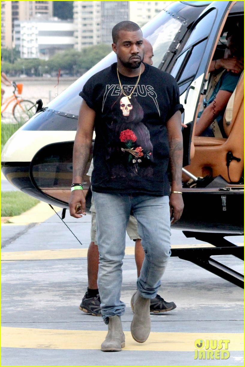 kanye west helicopter tour rio 213069104