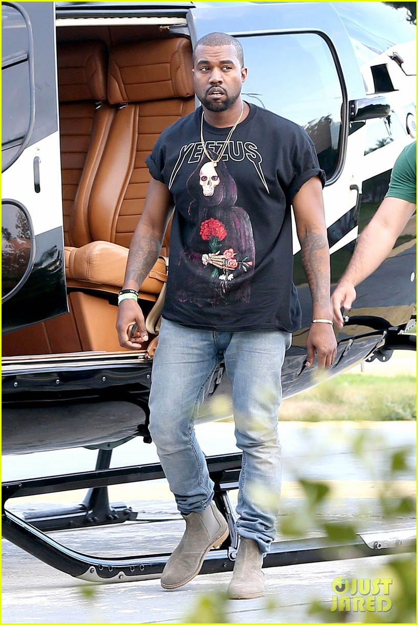 kanye west helicopter tour rio 223069105