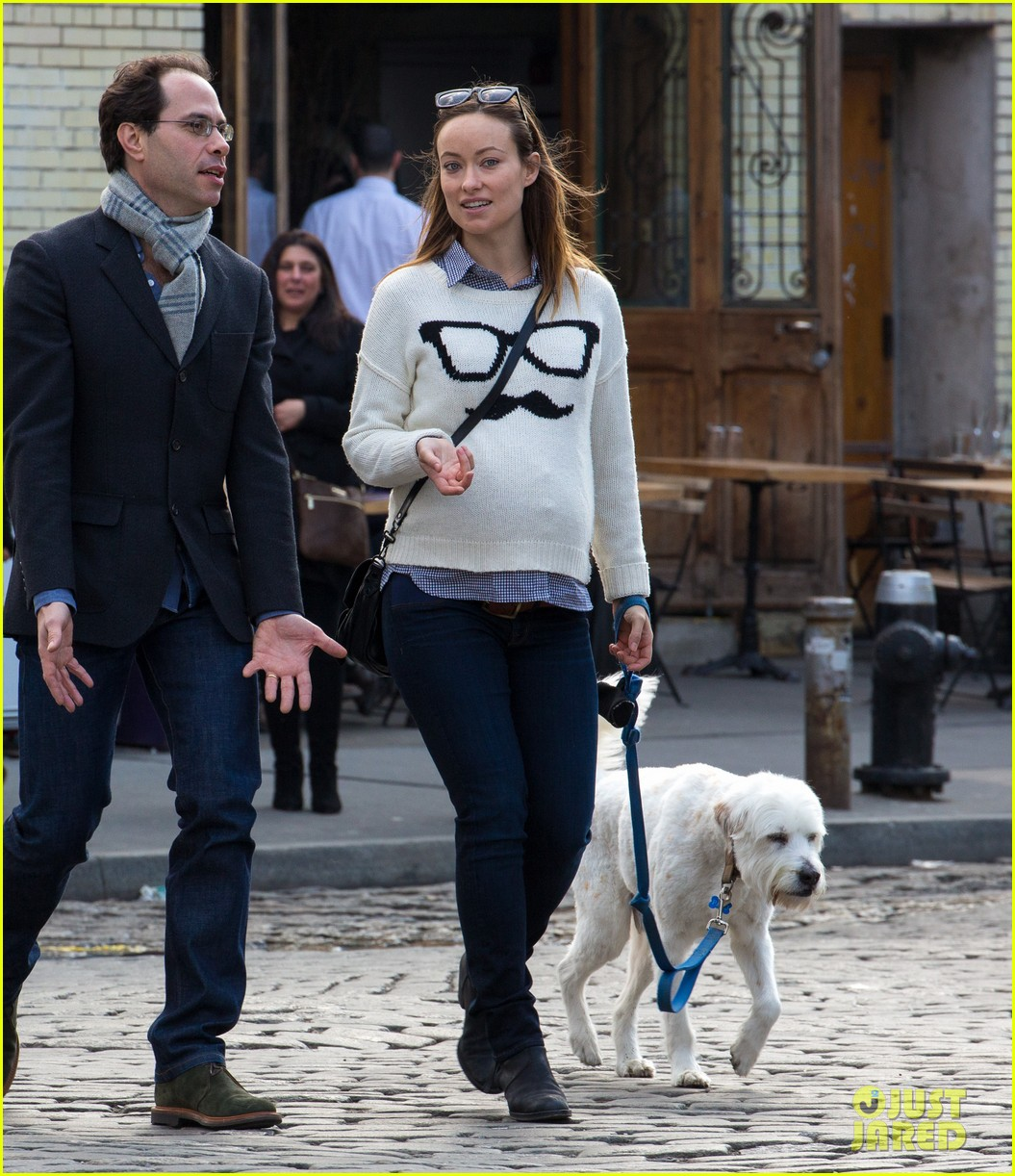 olivia wilde gives her seal of approval to doll em jason batemans bad words 063076964