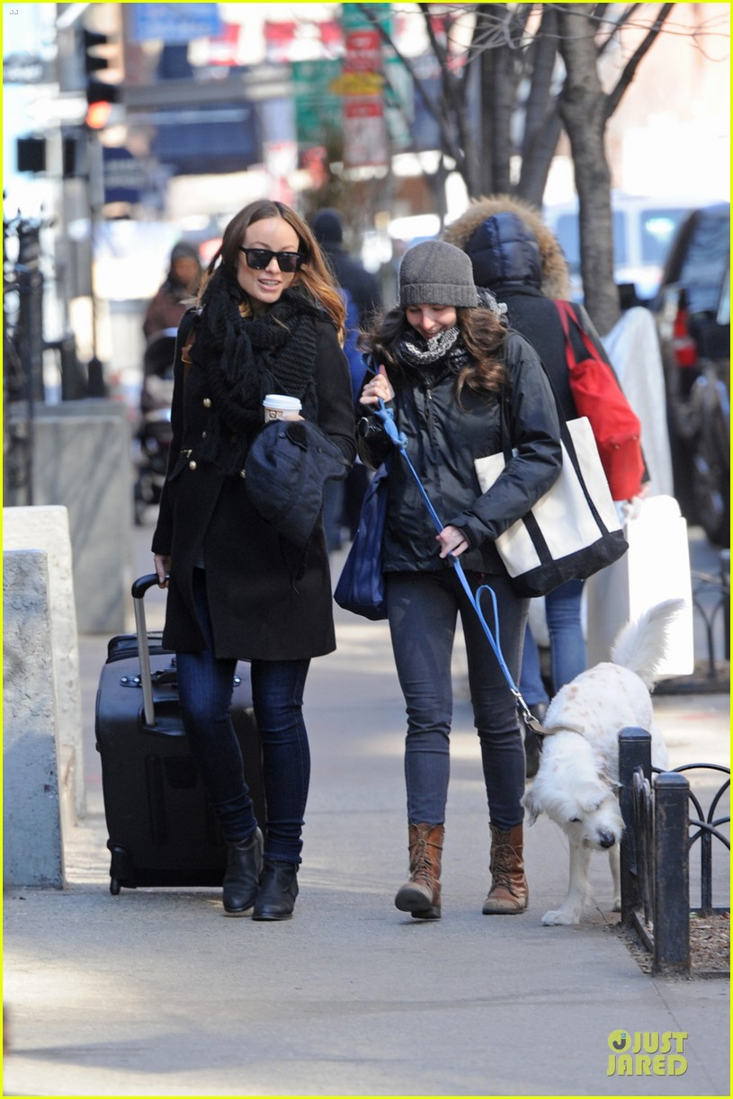 olivia wilde cant hide baby bump 053081190