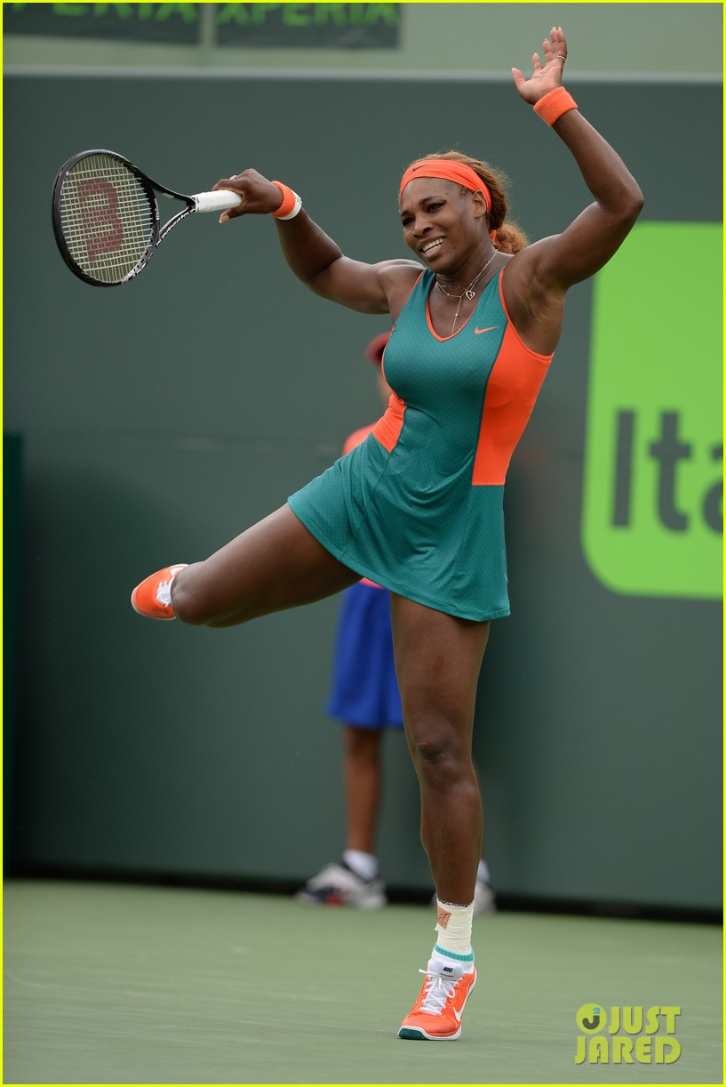 serena williams jacked physique helps her advance at sony open 023077088