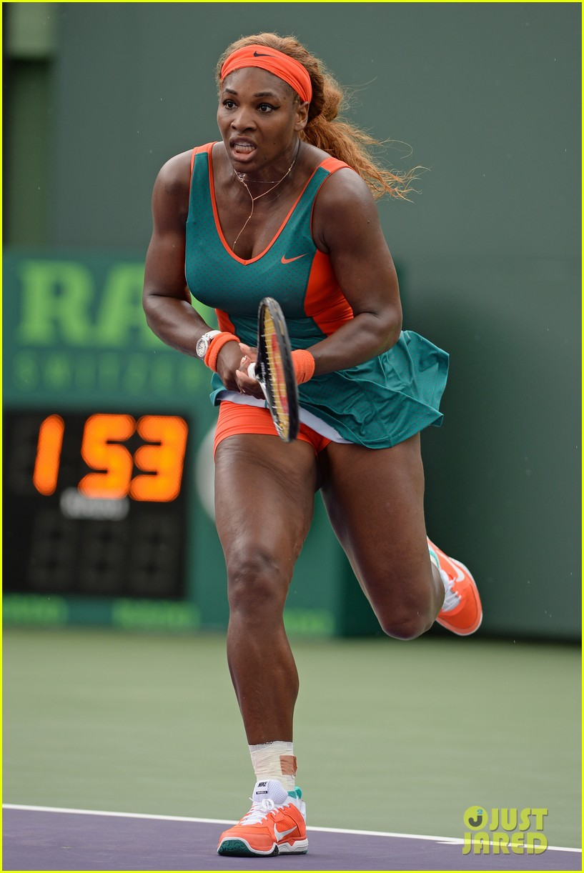 serena williams jacked physique helps her advance at sony open 103077096