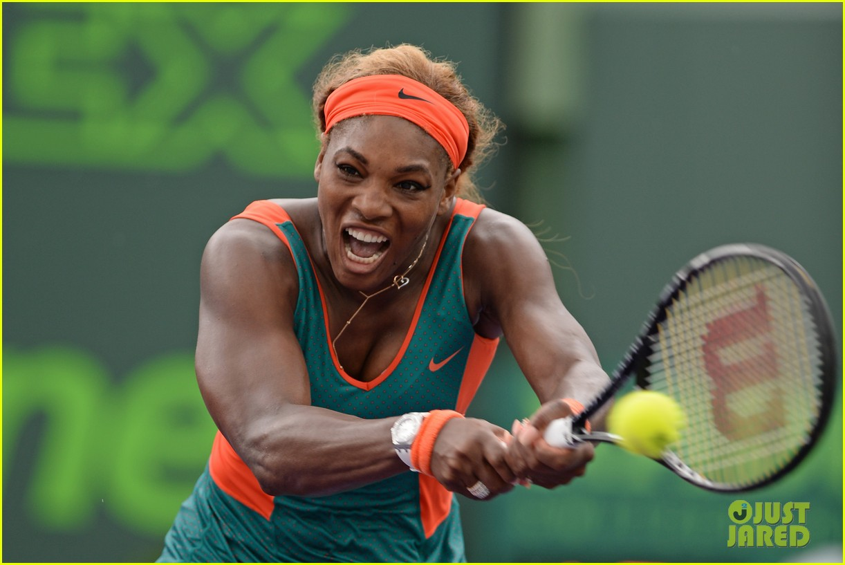 serena williams jacked physique helps her advance at sony open 123077098