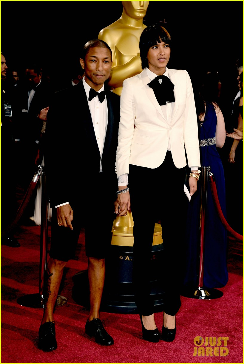 Pharrell Williams Wears Shorts on Oscars 2014 Red Carpet ...