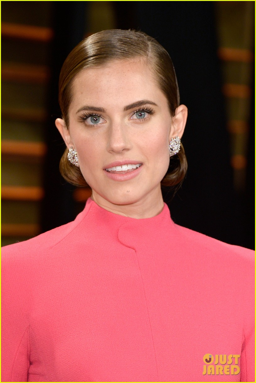allison williams greta gerwig vanity fair oscars party 2014 083064708