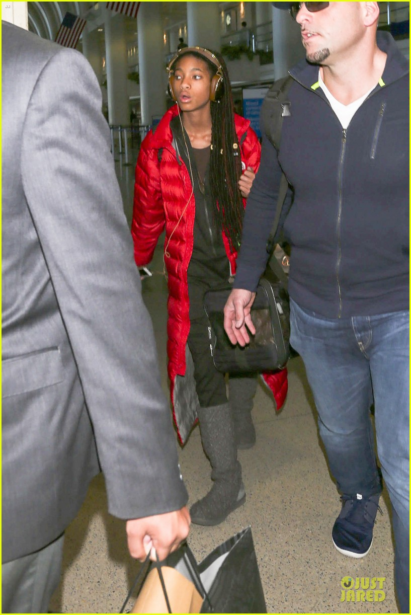 willow smith dreadlocks at lax airport 123072381