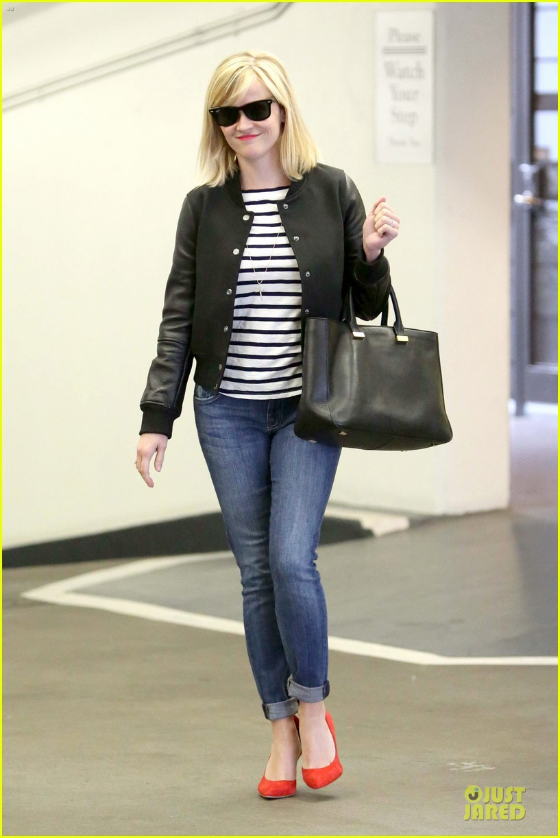 reese witherspoon bowling for 38th birthday 063078105