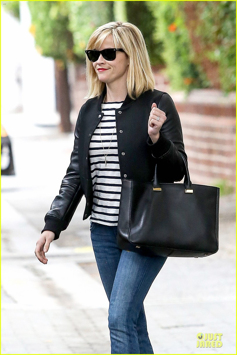 reese witherspoon bowling for 38th birthday 073078106