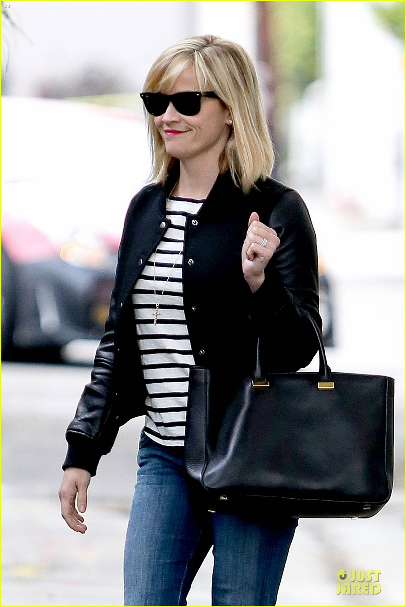 reese witherspoon bowling for 38th birthday 123078111