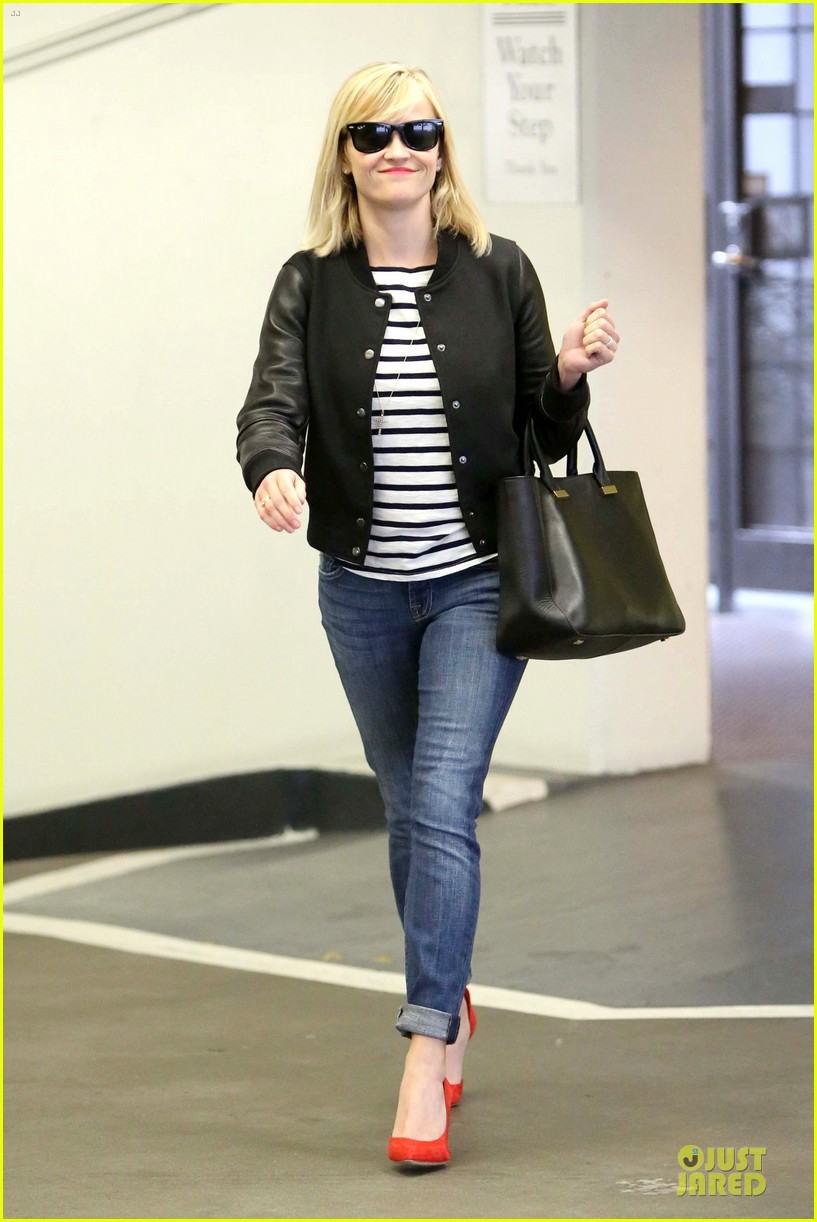 reese witherspoon bowling for 38th birthday 19