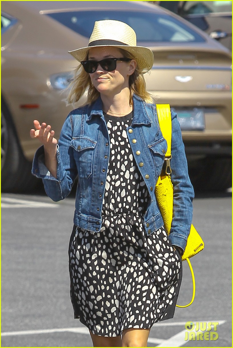 reese witherspoon starting lifestyle brand in 2015 043073919