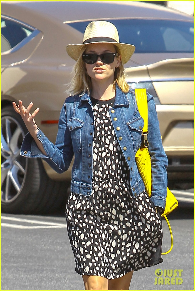 reese witherspoon starting lifestyle brand in 2015 073073922
