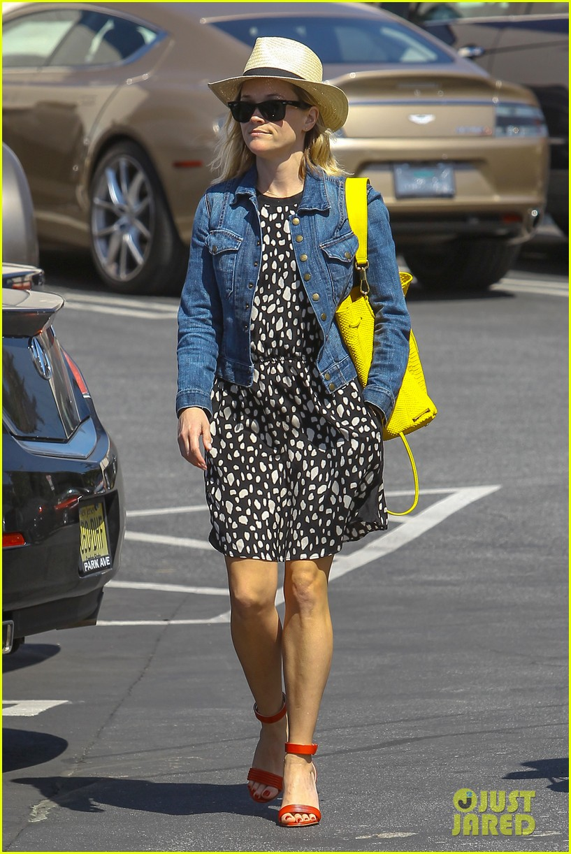 reese witherspoon starting lifestyle brand in 2015 093073924