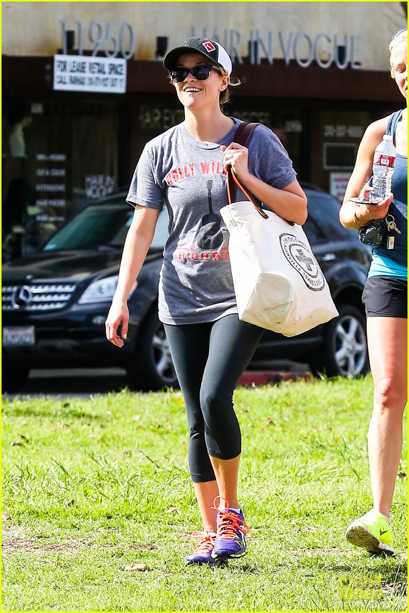 reese witherspoon breaks a sweat with parking ticket 023068354