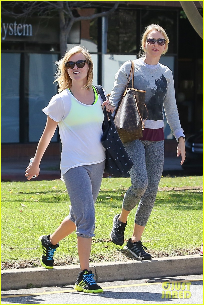 reese witherspoon naomi watts yoga partners 033079133