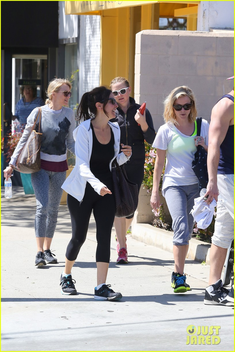 reese witherspoon naomi watts yoga partners 303079160