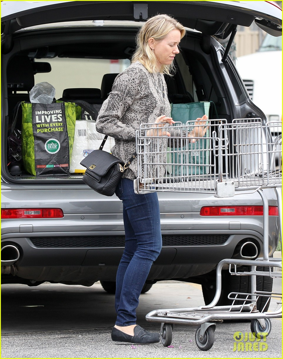reese witherspoon naomi watts yoga partners 343079164