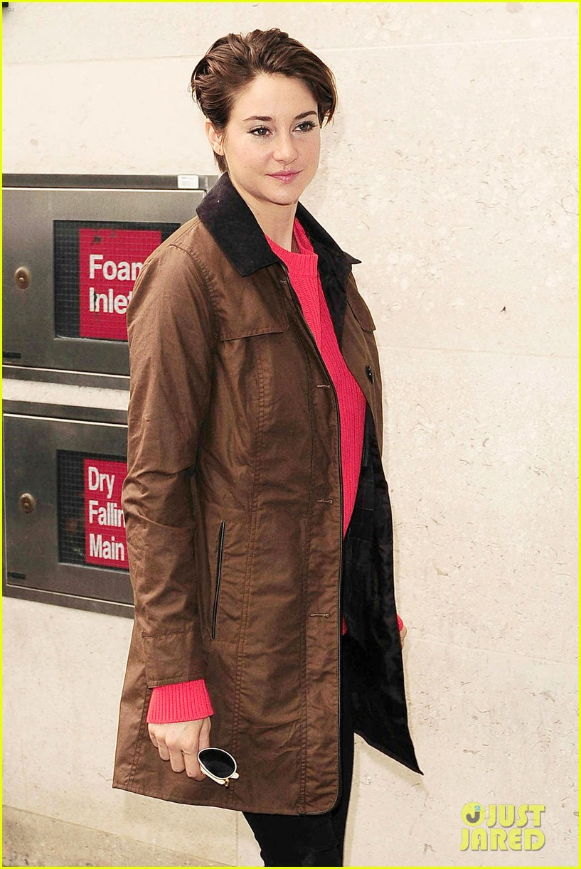 shailene woodley theo james divergent bbc radio one 083082249