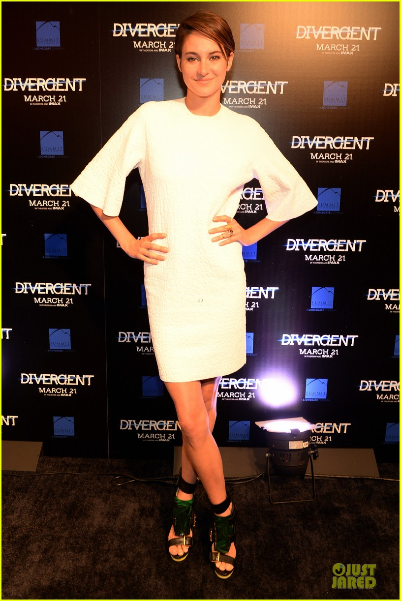shailene woodley theo james are engrossed with divergent 013065576