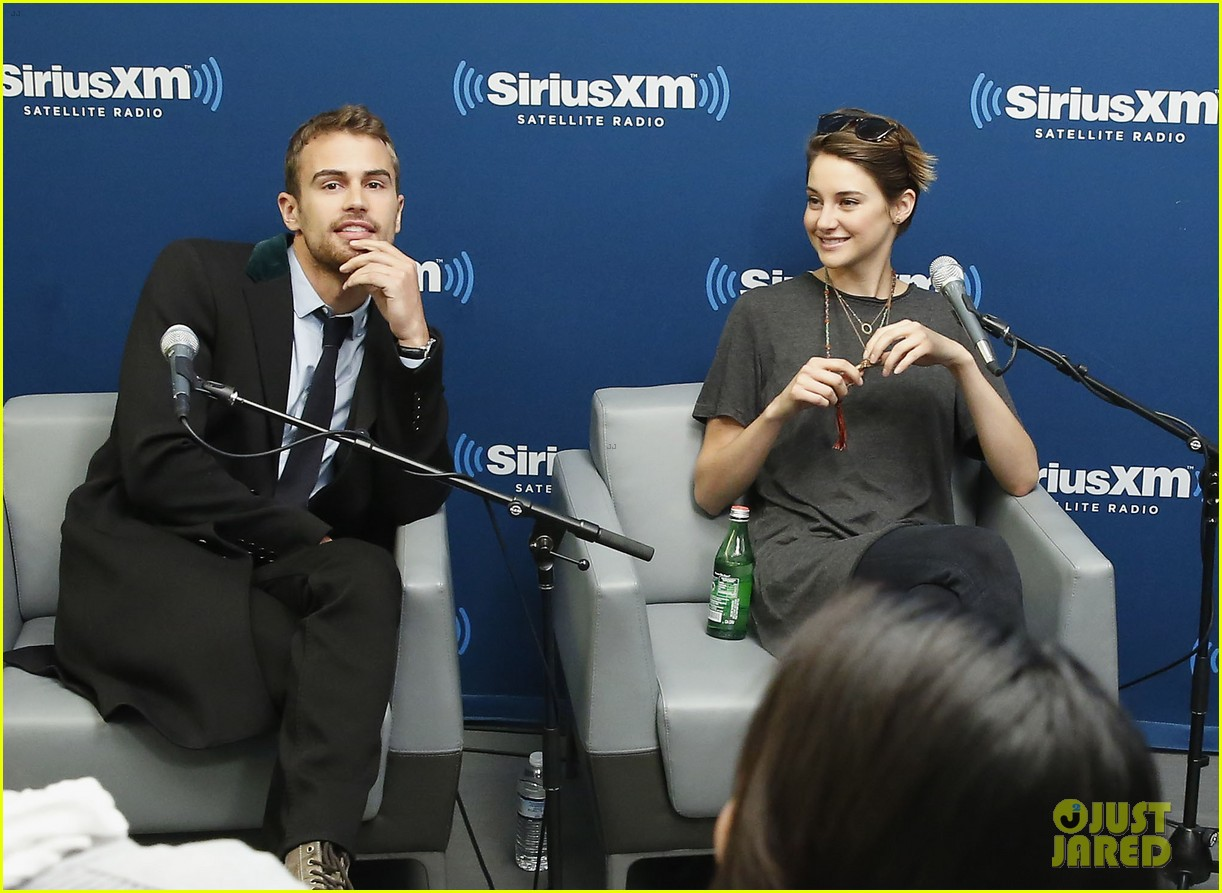 shailene woodley joins theo james for ews divergent radio special at siriusxm 013075526