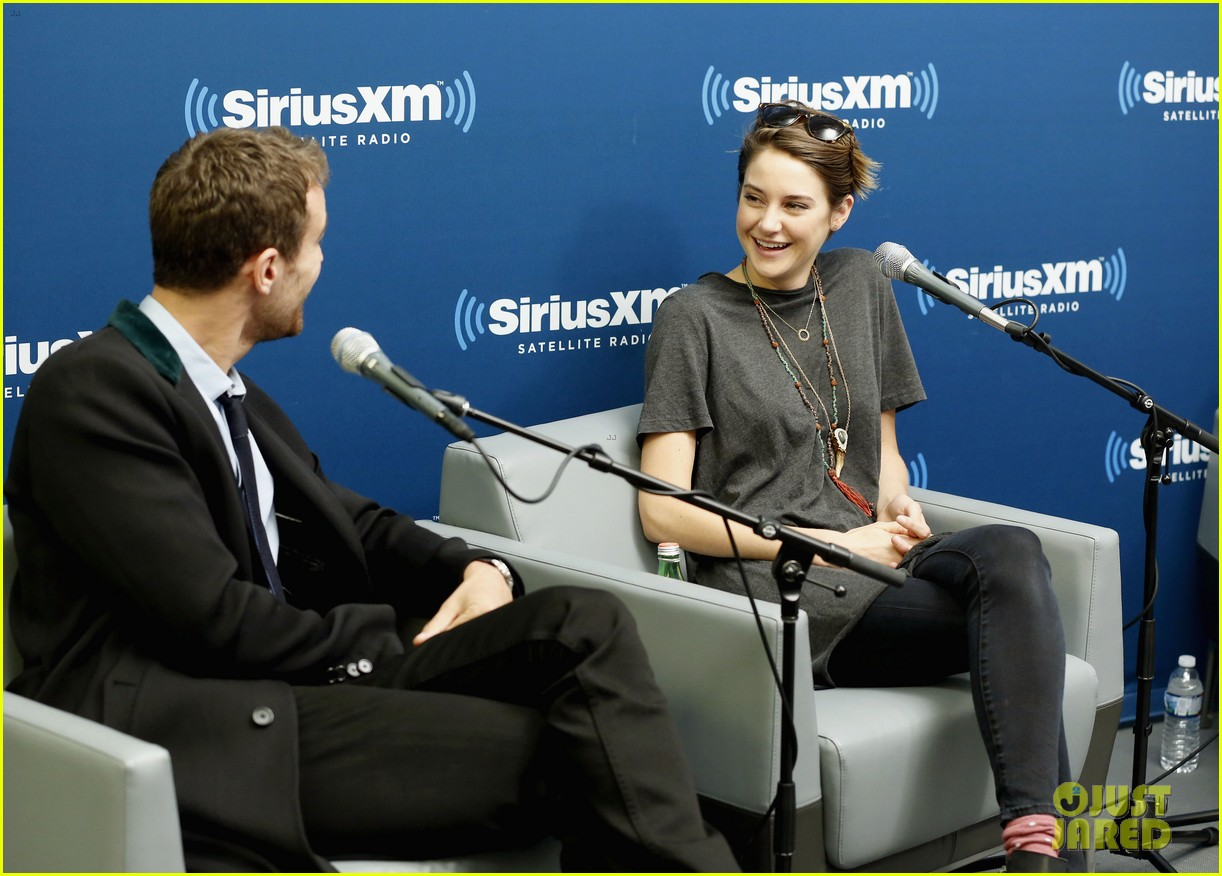shailene woodley joins theo james for ews divergent radio special at siriusxm 083075533