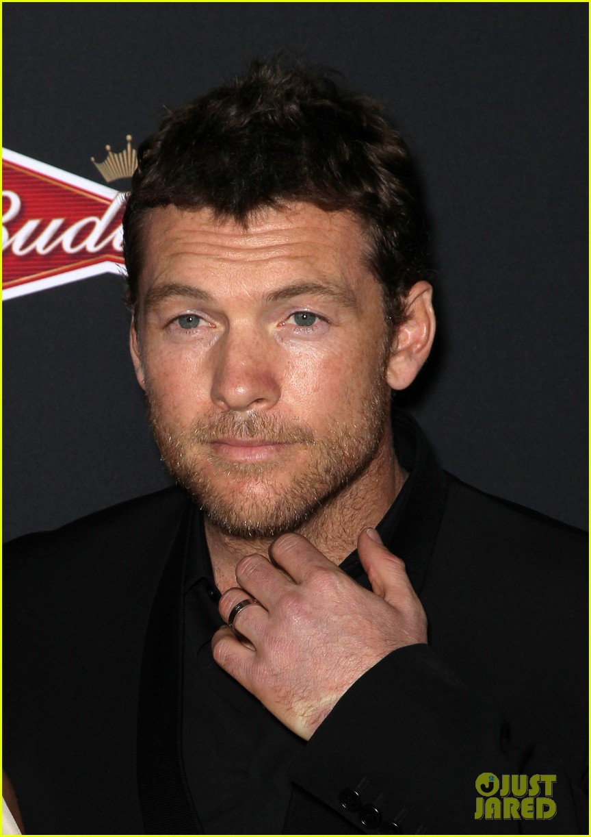 sam worthington lara bingle sabotage premiere 133075161