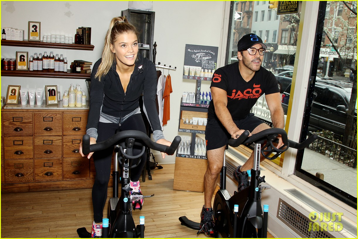 entourage jeremy piven nina agdal reunite for cycling fun 223094339