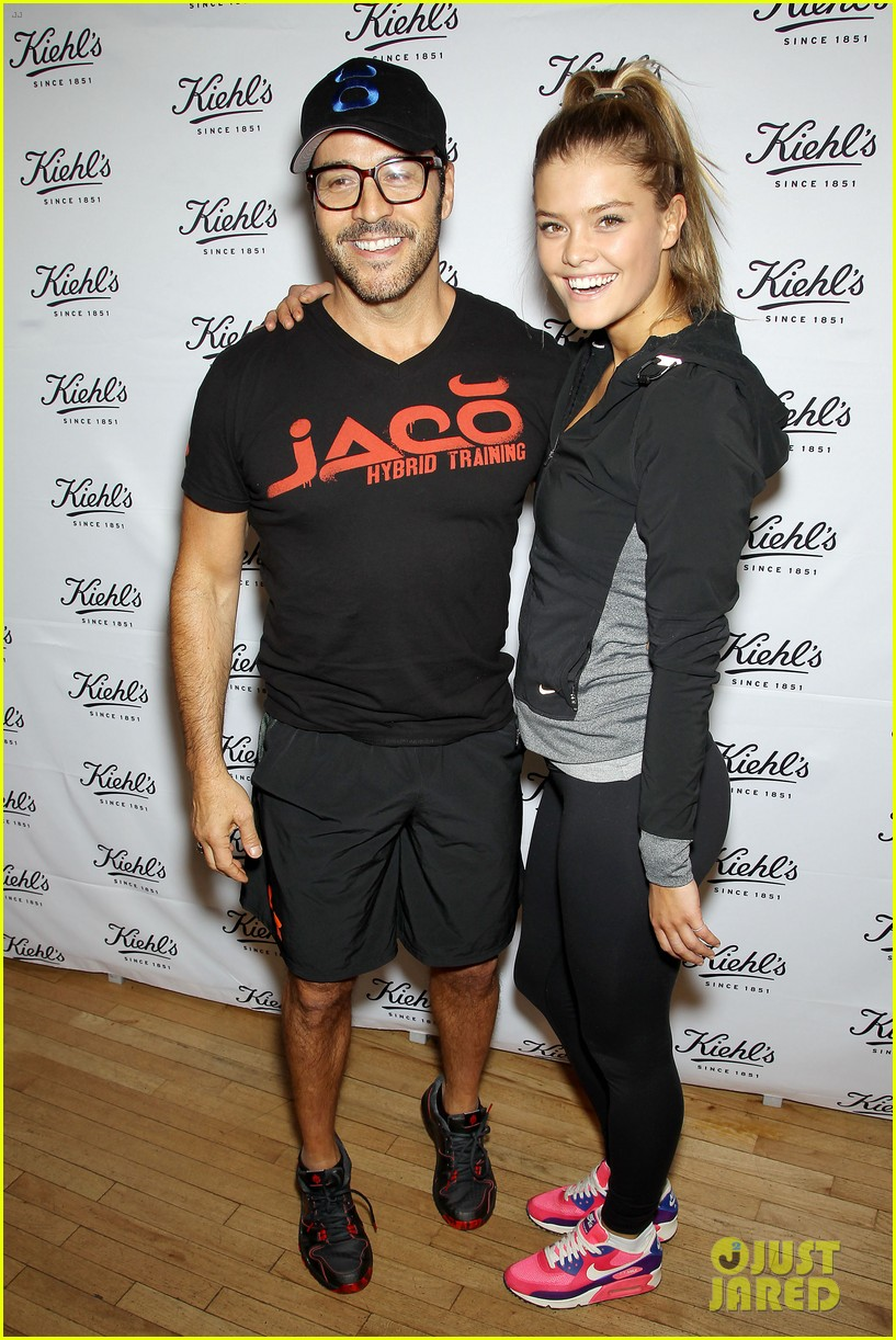 entourage jeremy piven nina agdal reunite for cycling fun 293094346