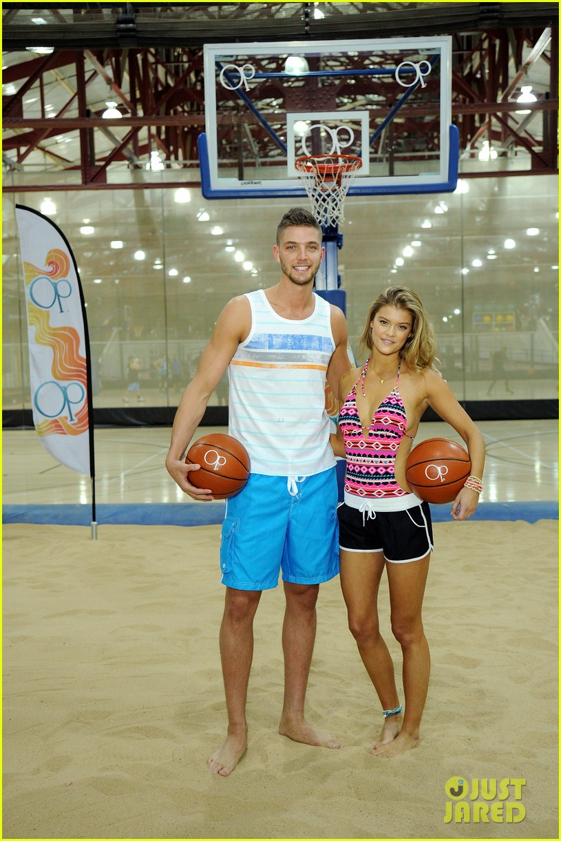 nina agdal shirtless hottie chandler parsons play basketball for ops spring kickoff 033082867