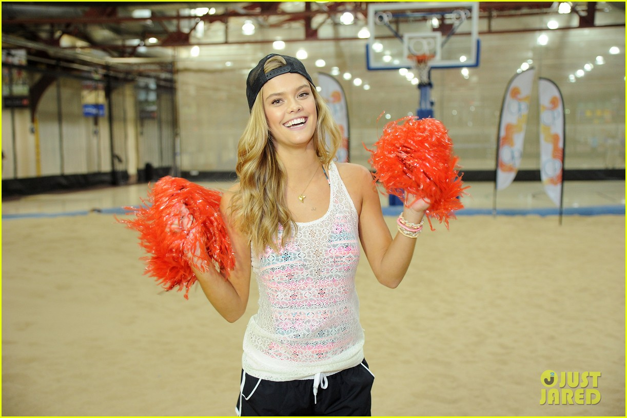 nina agdal shirtless hottie chandler parsons play basketball for ops spring kickoff 05