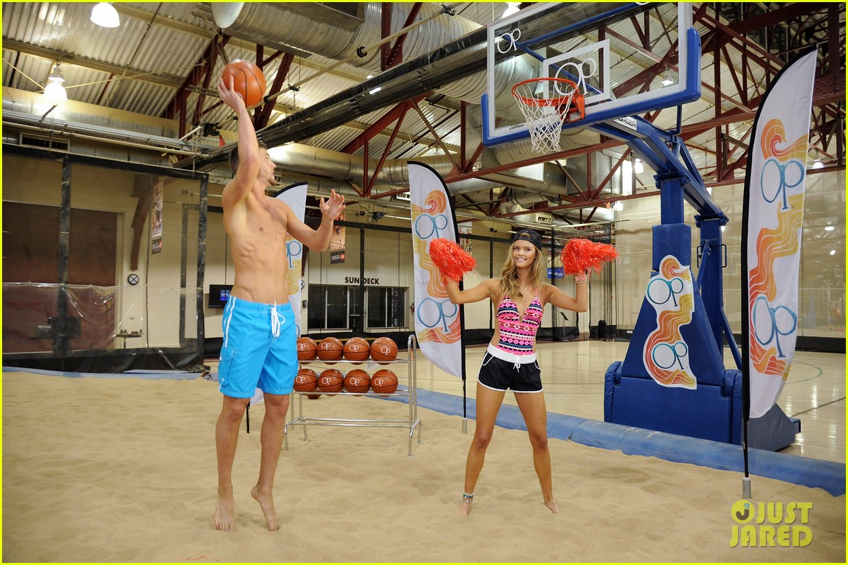nina agdal shirtless hottie chandler parsons play basketball for ops spring kickoff 093082873