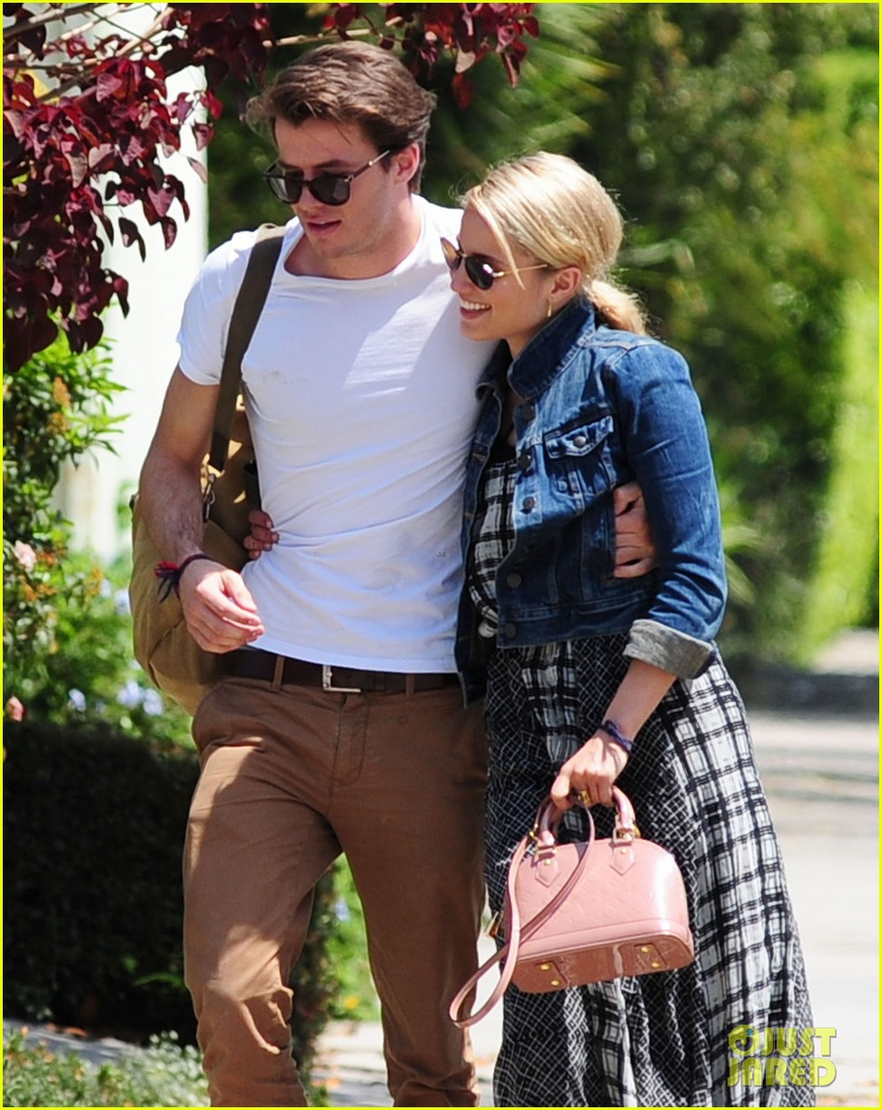 dianna agron gets cozy with thomas cocquerel at lunch 023097169