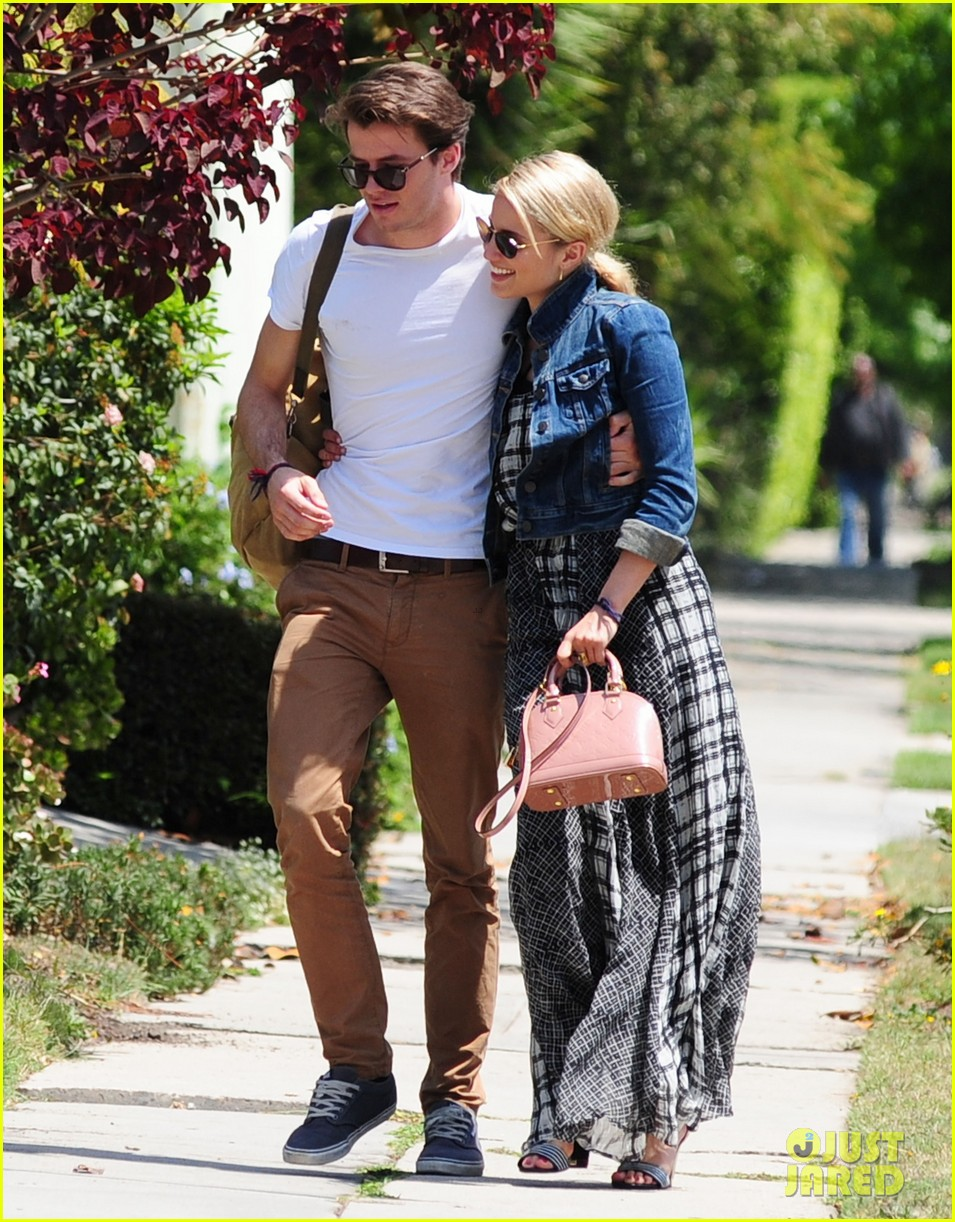 dianna agron gets cozy with thomas cocquerel at lunch 063097173
