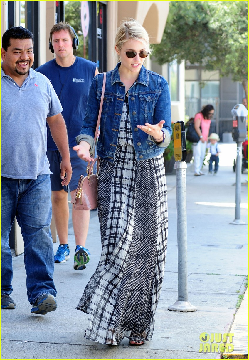 dianna agron gets cozy with thomas cocquerel at lunch 193097186