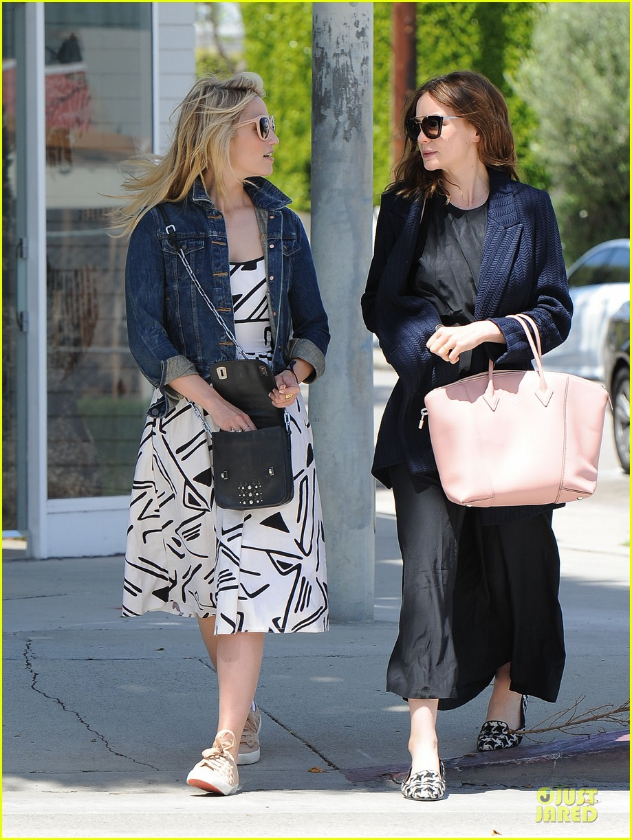 dianna agron carey mulligan meet up for lunch 08