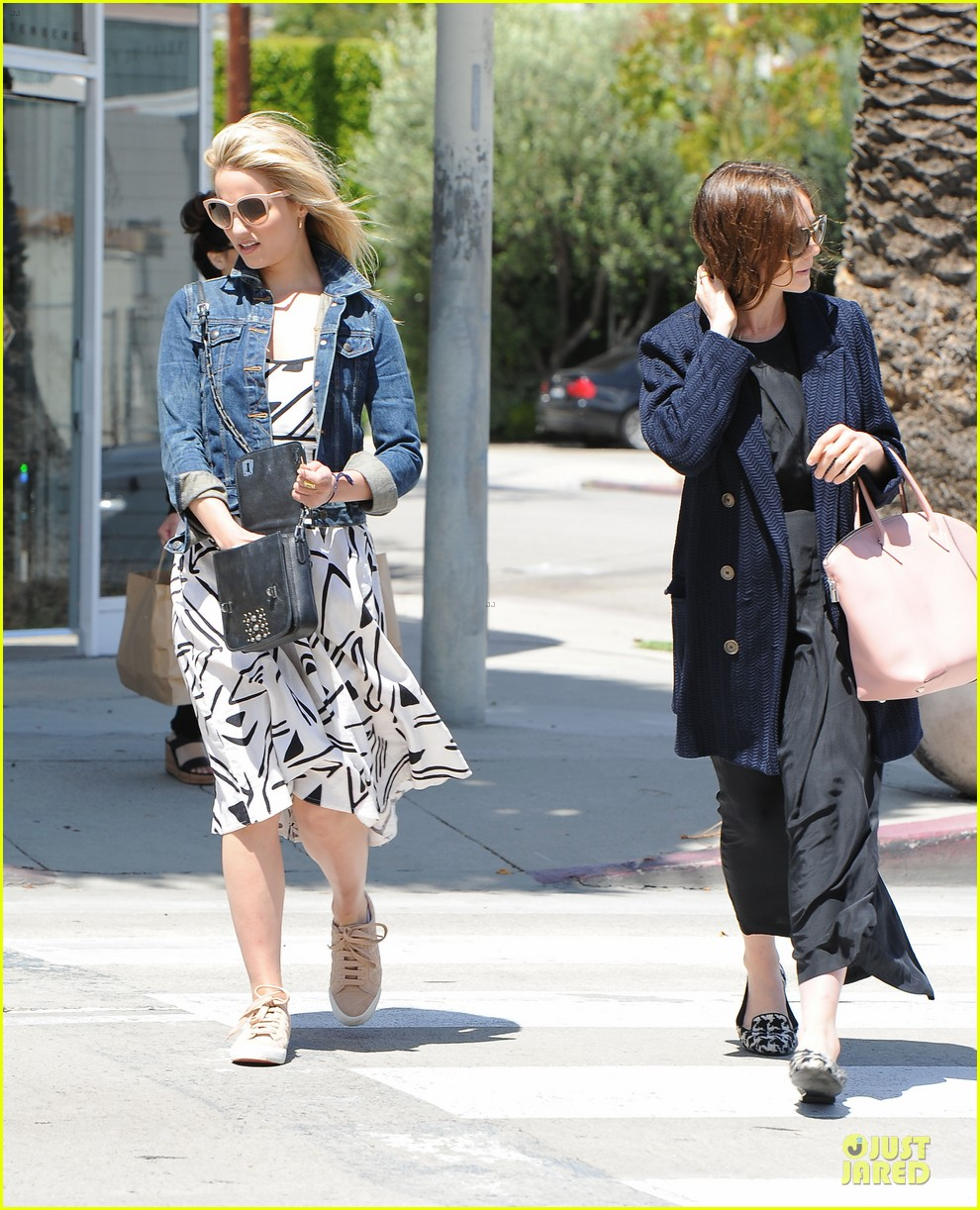 dianna agron carey mulligan meet up for lunch 093099793