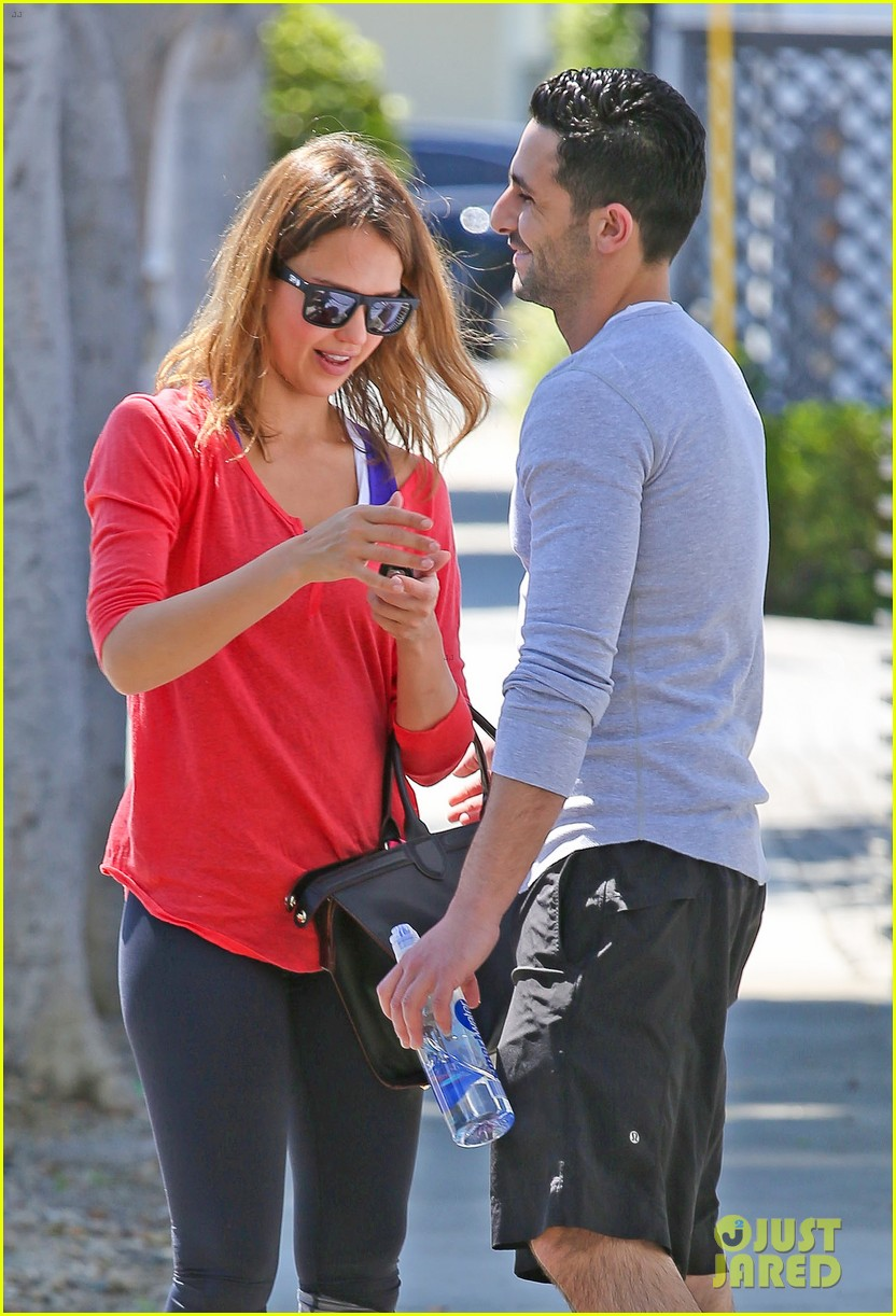 jessica alba celebrates 33rd birthday with husband cash warren 083101428