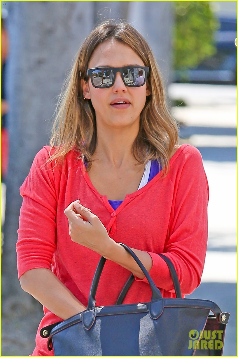 jessica alba celebrates 33rd birthday with husband cash warren 103101430