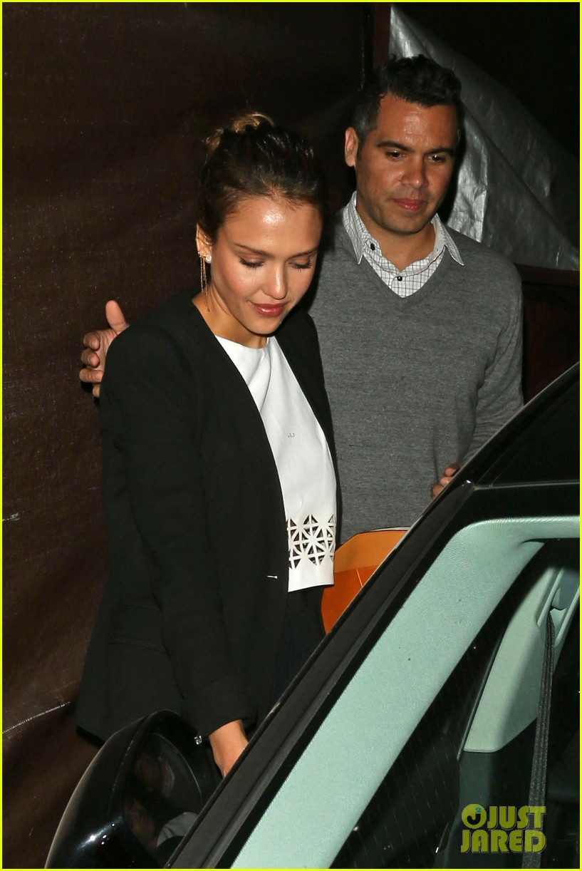 jessica alba celebrates 33rd birthday with husband cash warren 233101443