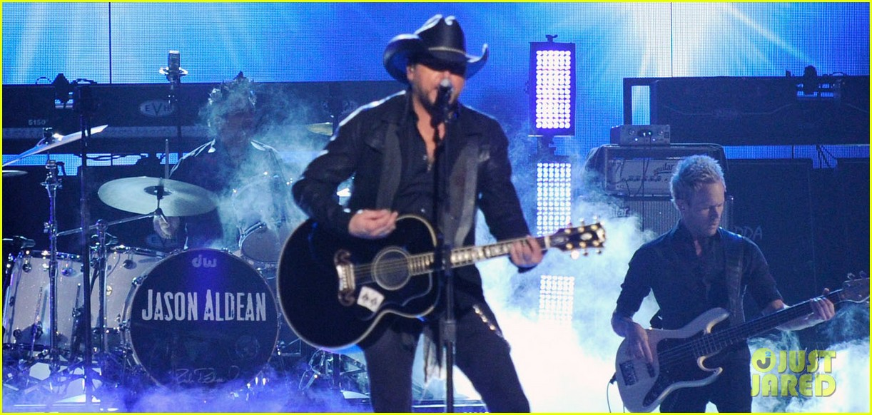 jason aldean performs acm awards 2014 male vocalist of the year 053085993