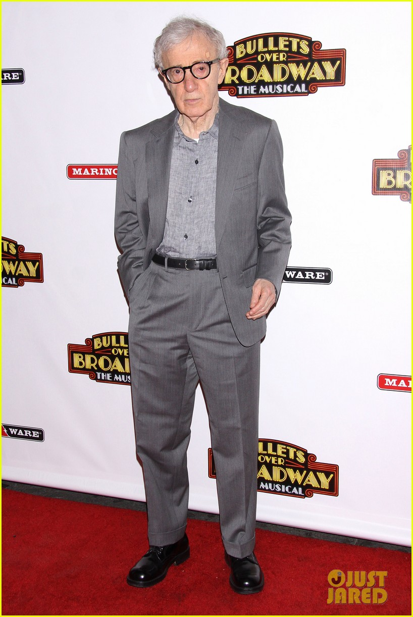 woody allen celebrates his broadway show bullets over broadways opening night 013089113