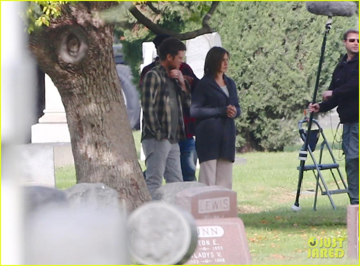 jennifer aniston begins filming cake in a grave yard 163084000