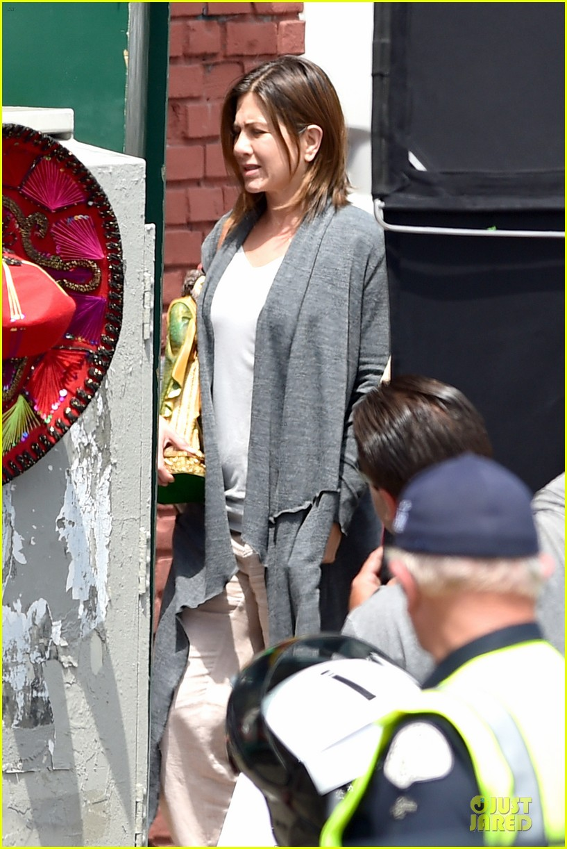 jennifer aniston hides face under a hat 203096928