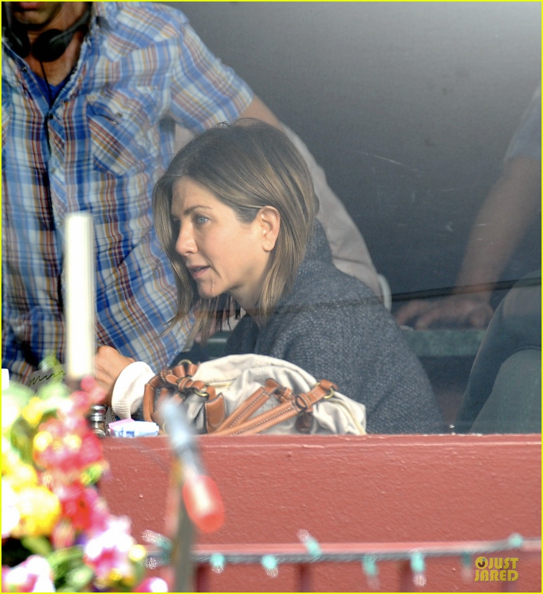 jennifer aniston anna kendrick grab anything but cake 023087030