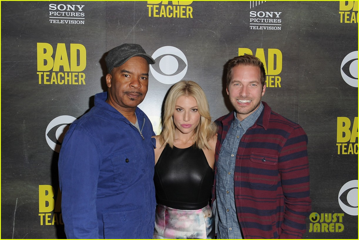 ari graynor ryan hansen are a pair of bad teachers at cbs press night 103089050